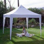 Máte už svůj zahradní párty stan?