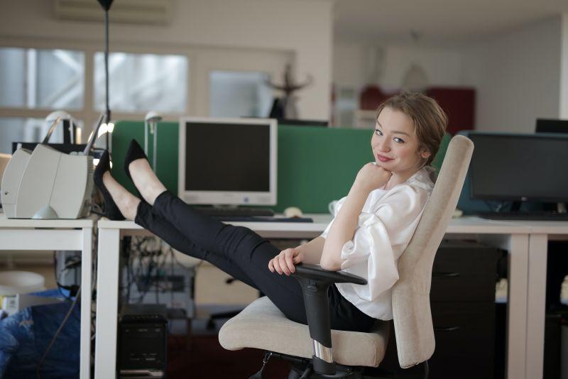 5 rad pro správný výběr kancelářské židle