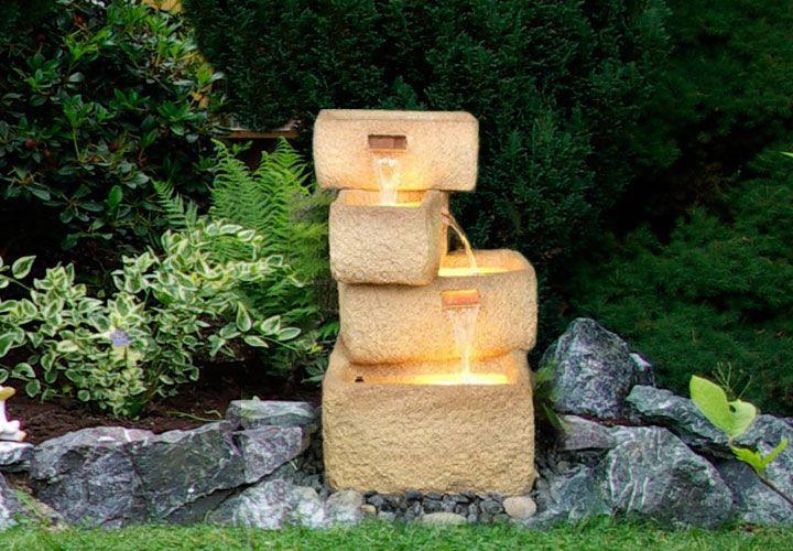 Zahradní kašna - fontána se 4 kamennými žlaby