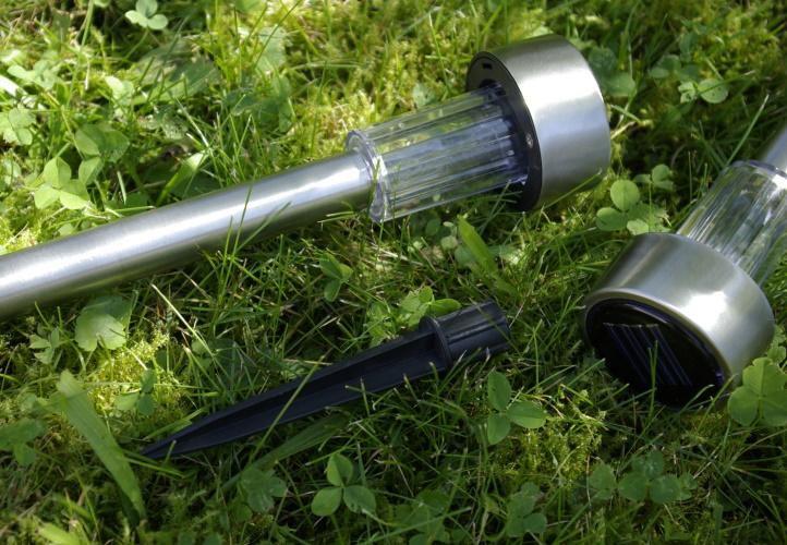 Solární LED zahradní osvětlení Garth z nerezové oceli, 4 ks