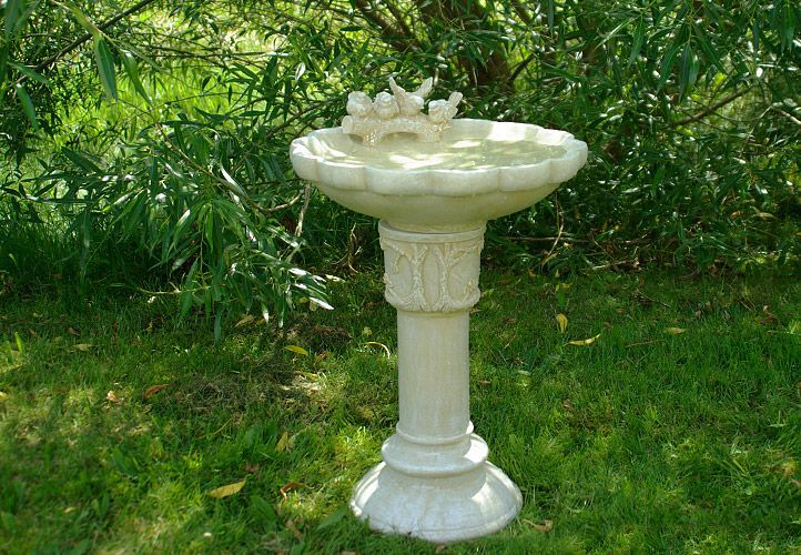 Koupací miska pro ptáky - zahradní dekorace Garth