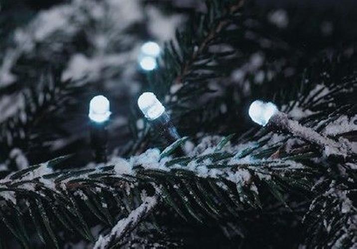 Vánoční LED osvětlení 30 m - studeně bílé, 300 diod