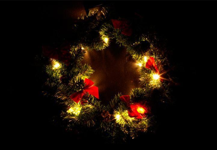 Vánoční dekorace - Vánoční věnec - 20 LED diod, 40 cm