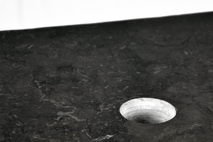 Umyvadlo DIVERO z přírodního kamene vč. stolku