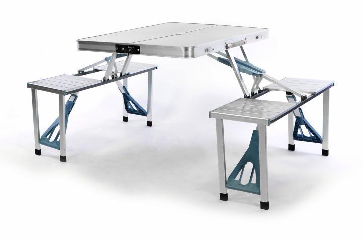 Skládací hliníkový stůl s vestavěnými lavicemi