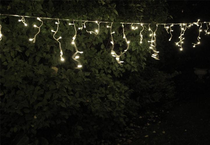 Vánoční světelný déšť - 7,8 m, 400 LED, studeně bílý