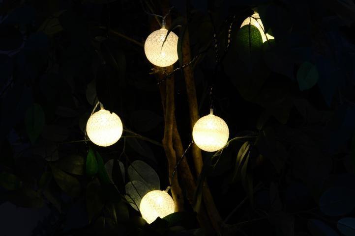 Vánoční dekorace - 20 ks světelných koulí - teple bílá 20 diod