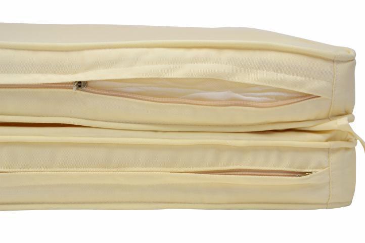 Skládací lehátko Florentine s krémovým polstrováním DIVERO