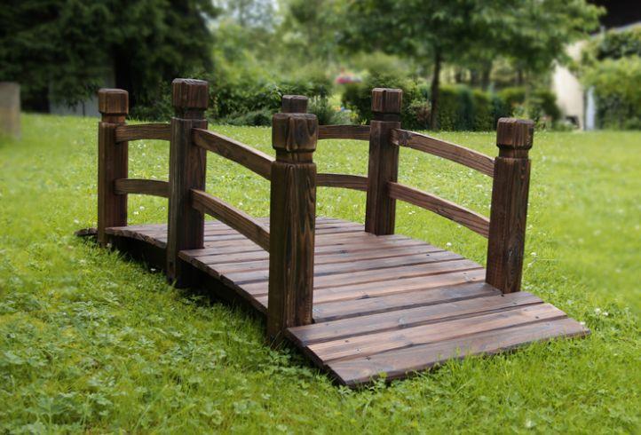 Dřevěný zahradní můstek Garth 150 x 67 x 55 cm