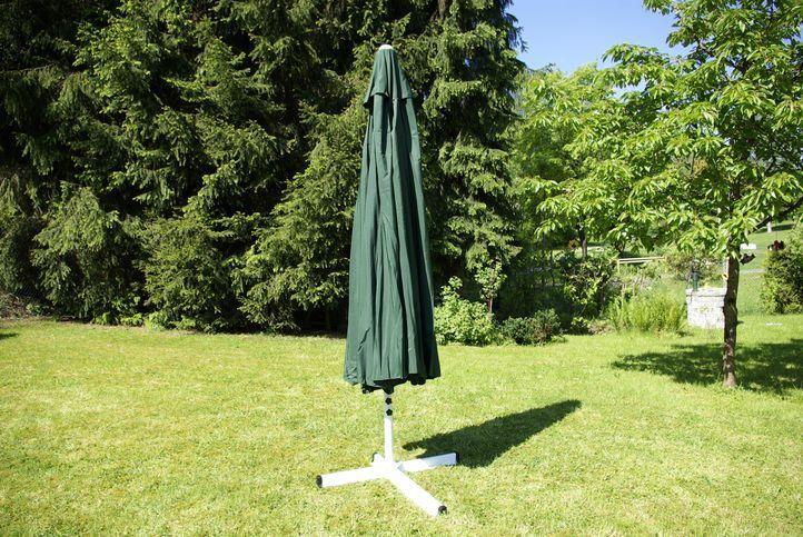 Slunečník Garth s klikou - zelený, 4 m