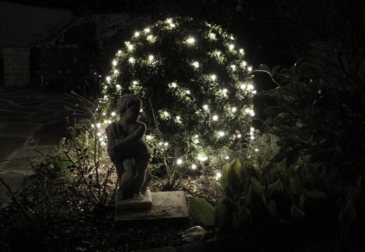 Vánoční světelný závěs s LED diodami - 1,2 x 1,9 m, studená bílá