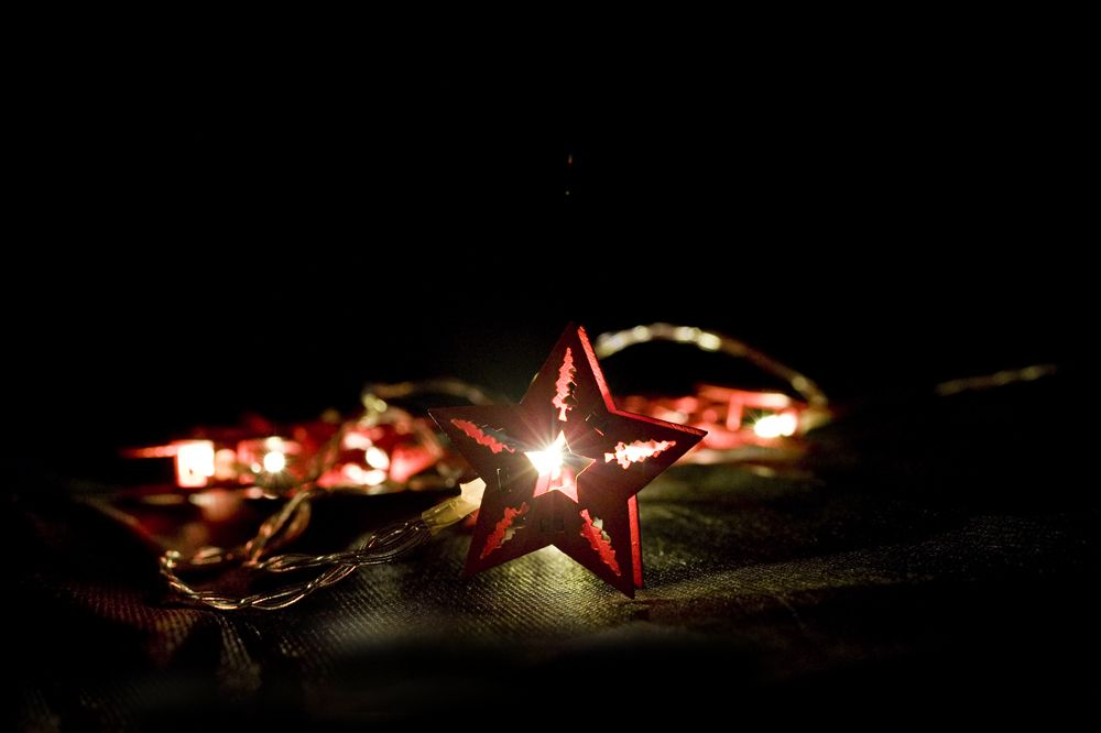 Vánoční dekorativní řetěz HOLZ - červená hvězda - 10 LED