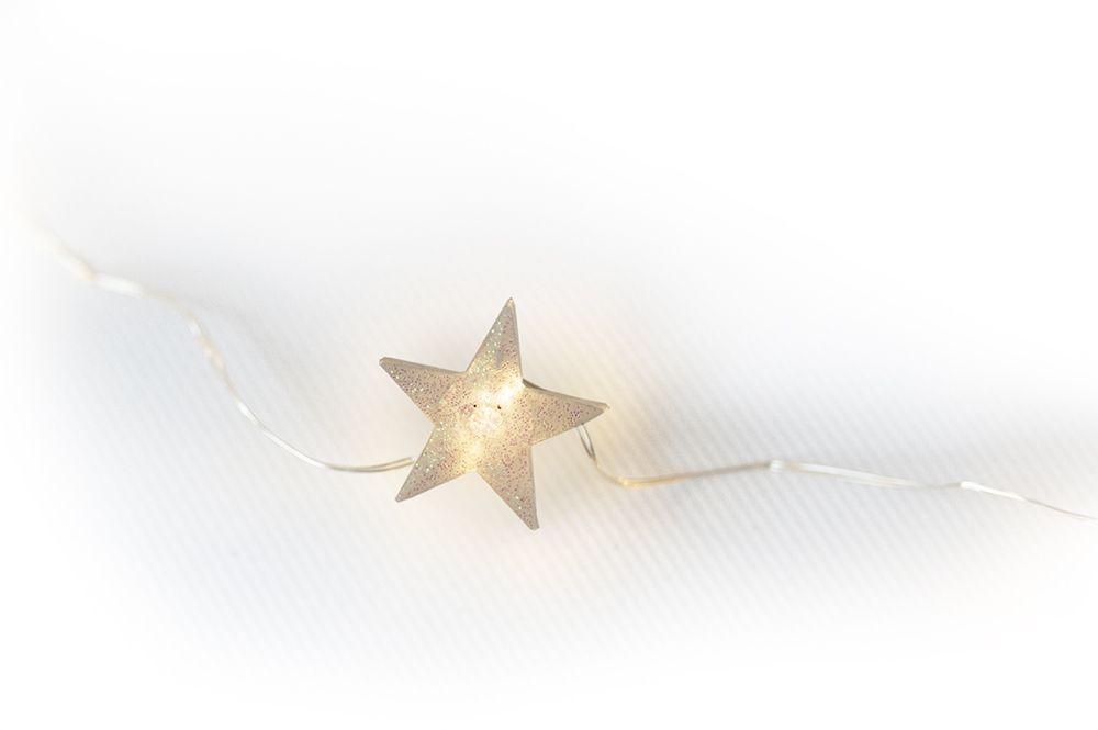 Vánoční dekorativní řetěz - hvězdy - 20 LED teple bílá