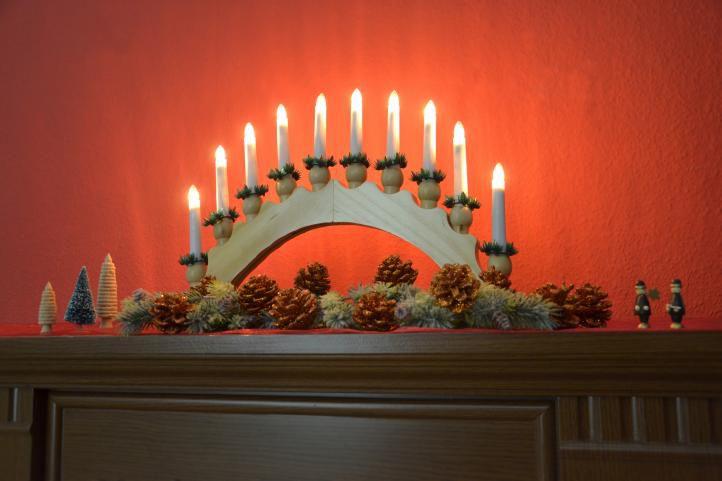 Vánoční dekorace - svícen, 10 LED diod