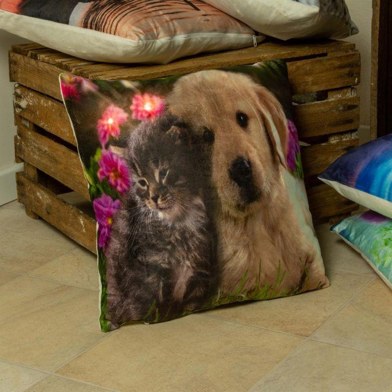 Dekorativní polštář s LED osvětlením Kočka a pes – 38×38 cm