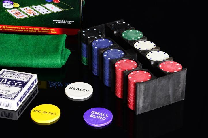 Poker žetony 200ks v plechové dóze