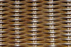 SWIVEL ratanové křeslo s výpletem tmavý med