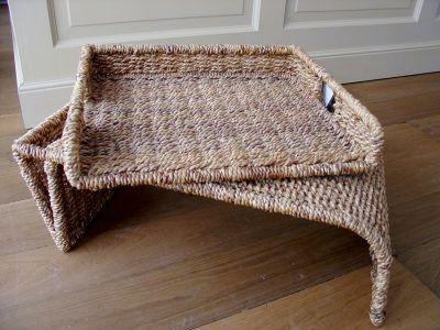 Snídaňový stolek do postele, servírovací stolek