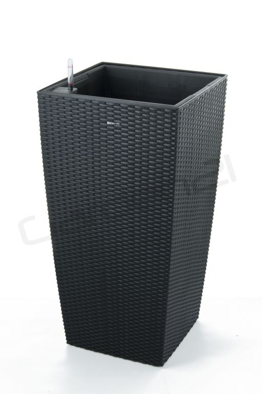 Samozavlažovací květináč G21 Linea ratan big černý 76 cm