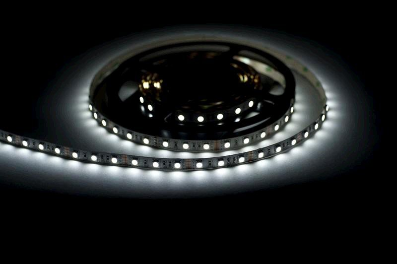 LED pásek Lumenmax SMD 5050, 60LED/m,5m, studená bílá, IP20,12V