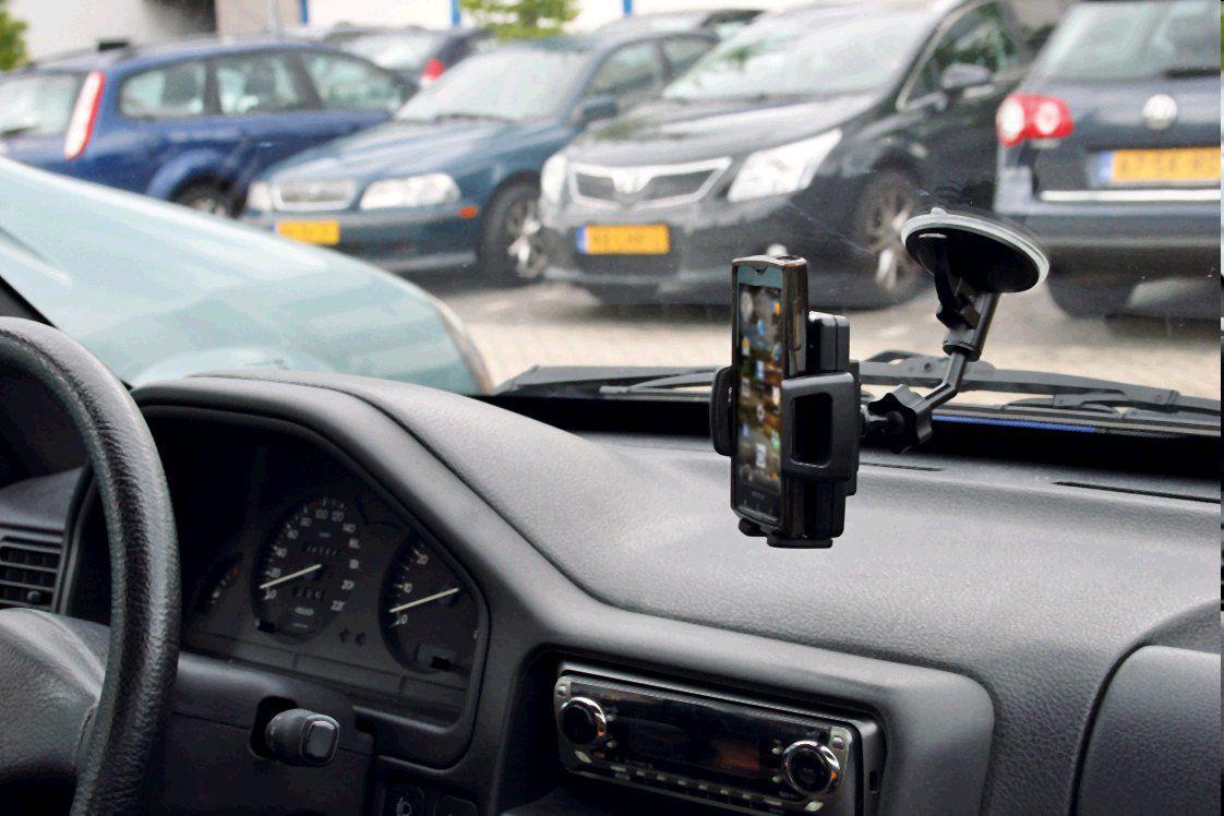 Držák basicXL telefonu univerzální do automobilu variabilní možnost uchycení 3 v 1