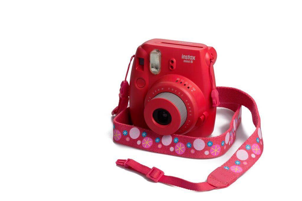 Popruh Fujifilm Instax neck strap Raspberry red/Starlets