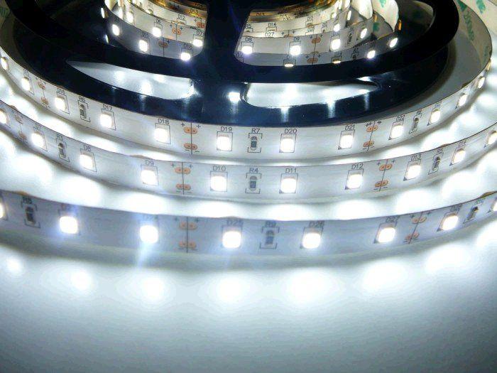 LED pásek TLE SMD 3328 60LED/m, 5m, studená bílá, IP20, 12V
