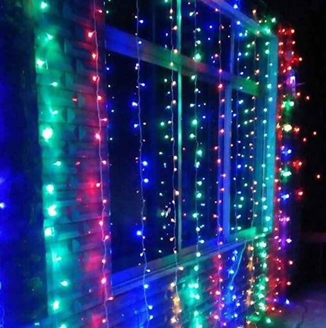 Vánoční světelný závěs - 3x3 m, 300 LED, barevný