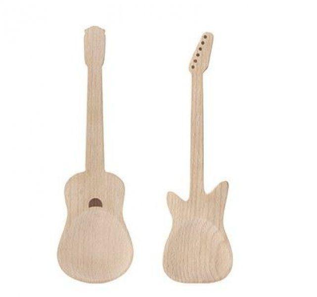 Dřevěné náčiní na salát kytary