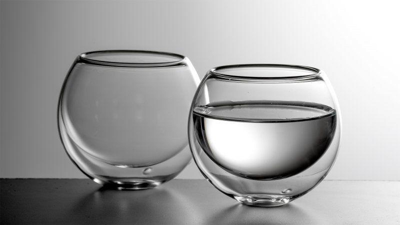 Luxusní kulatá dvoustěnná sklenička na nápoje BULBUS – dárková sada 2ks