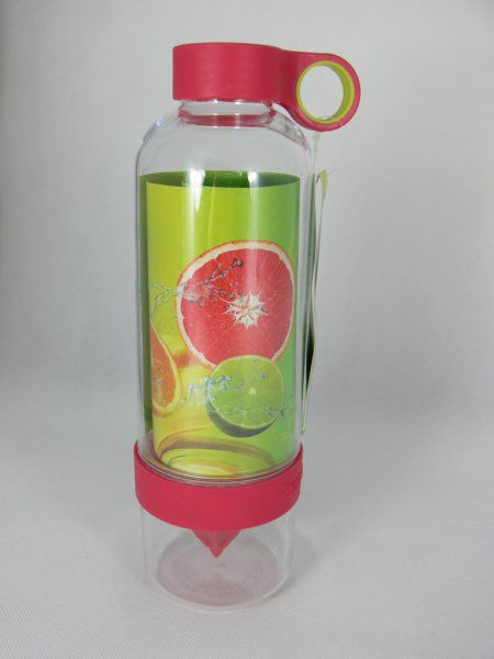 Láhev na pití s lisem na citrusy – růžová