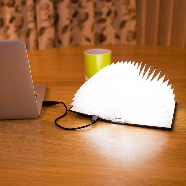 Lampička - Otevřená kniha