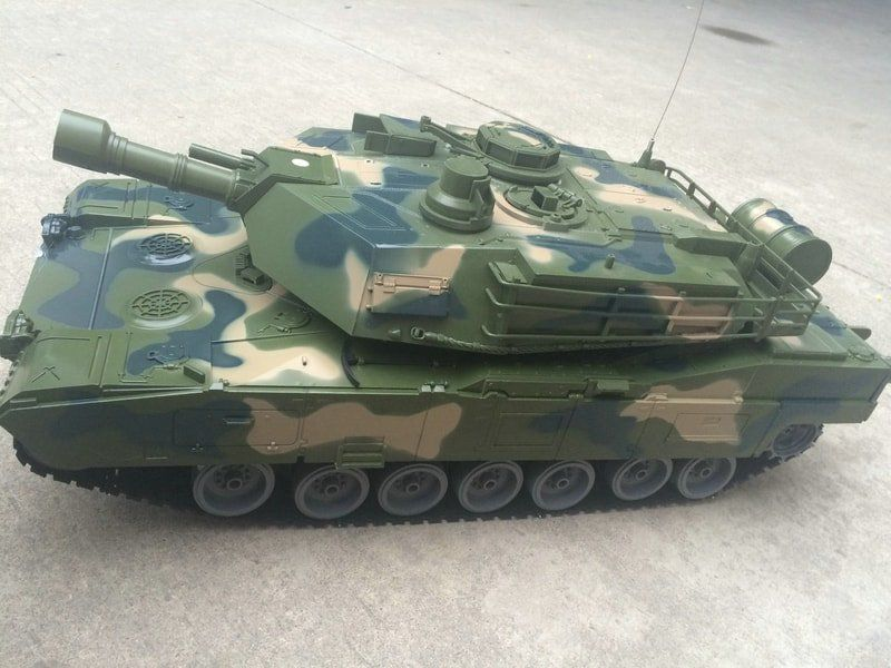 RC bojový tank Monster