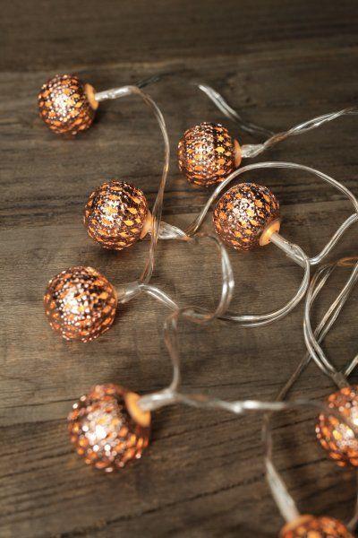 Svítící LED koule na řetězu – oranžová