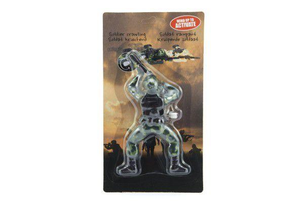 Voják na klíček plazící se 16cm plast na kartě