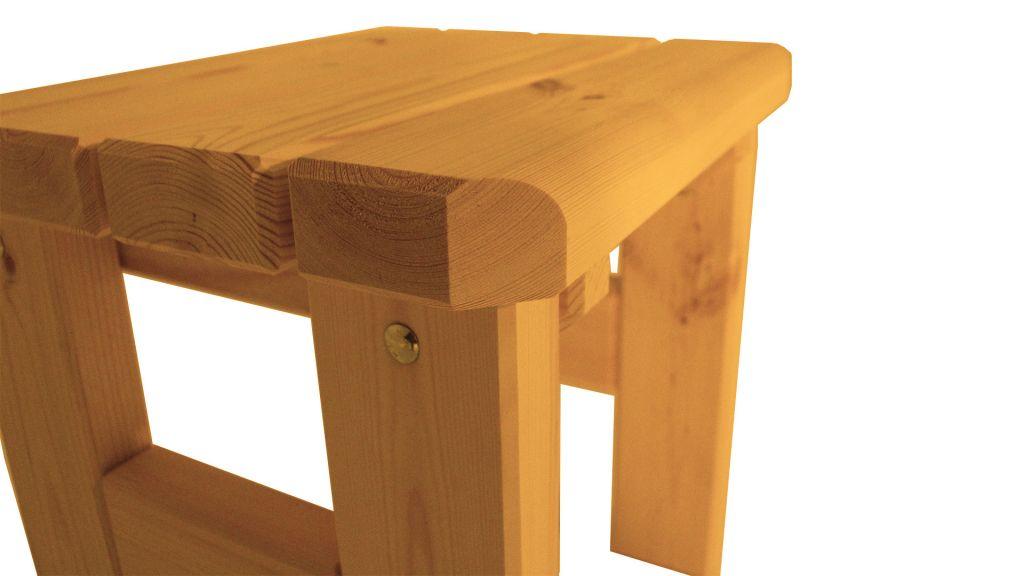 Zahradní dřevěná stolička Darina – s povrchovou úpravou – VEVERKA