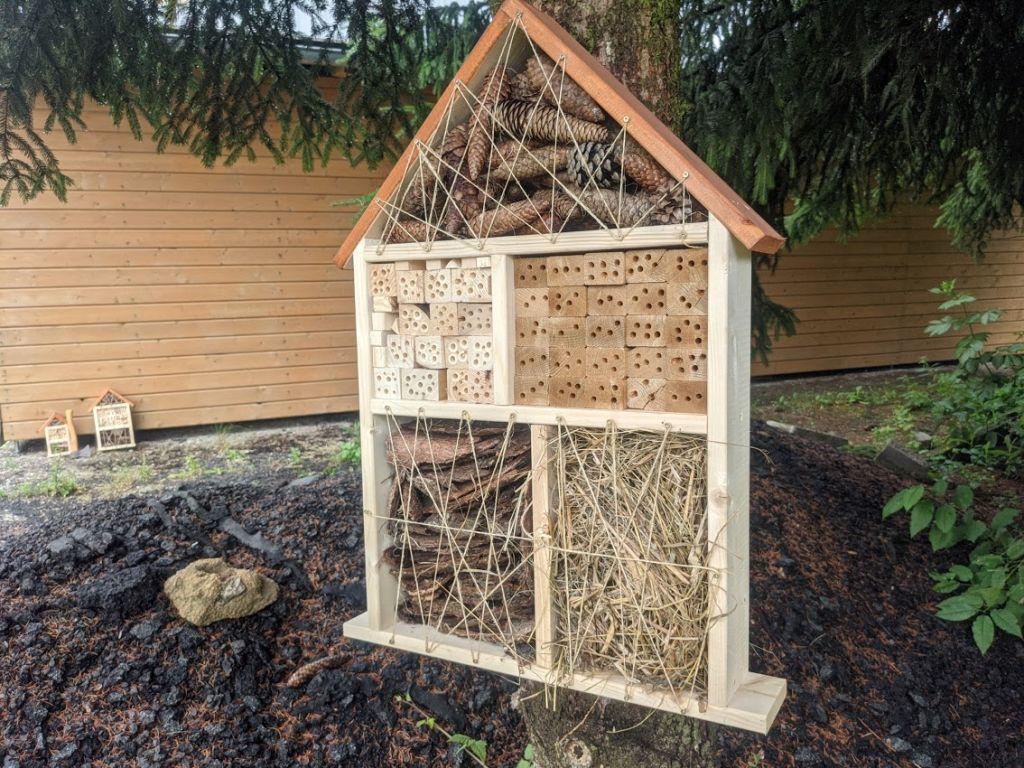Hmyzí hotel – domek pro prospěšný hmyz IV.
