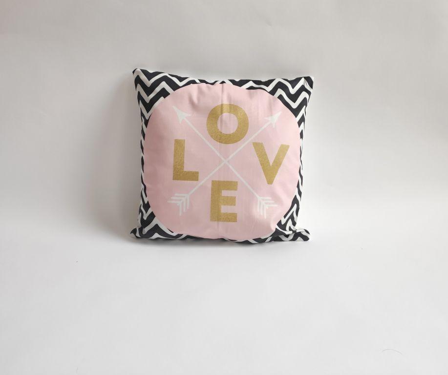 Povlak na polštář Love, 45 x 45 cm, písmena