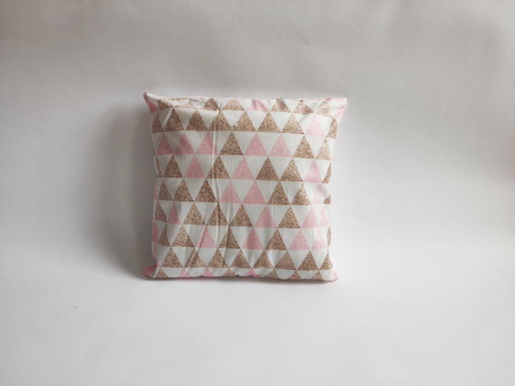 Povlak na polštář Love, 45 x 45 cm, triangl