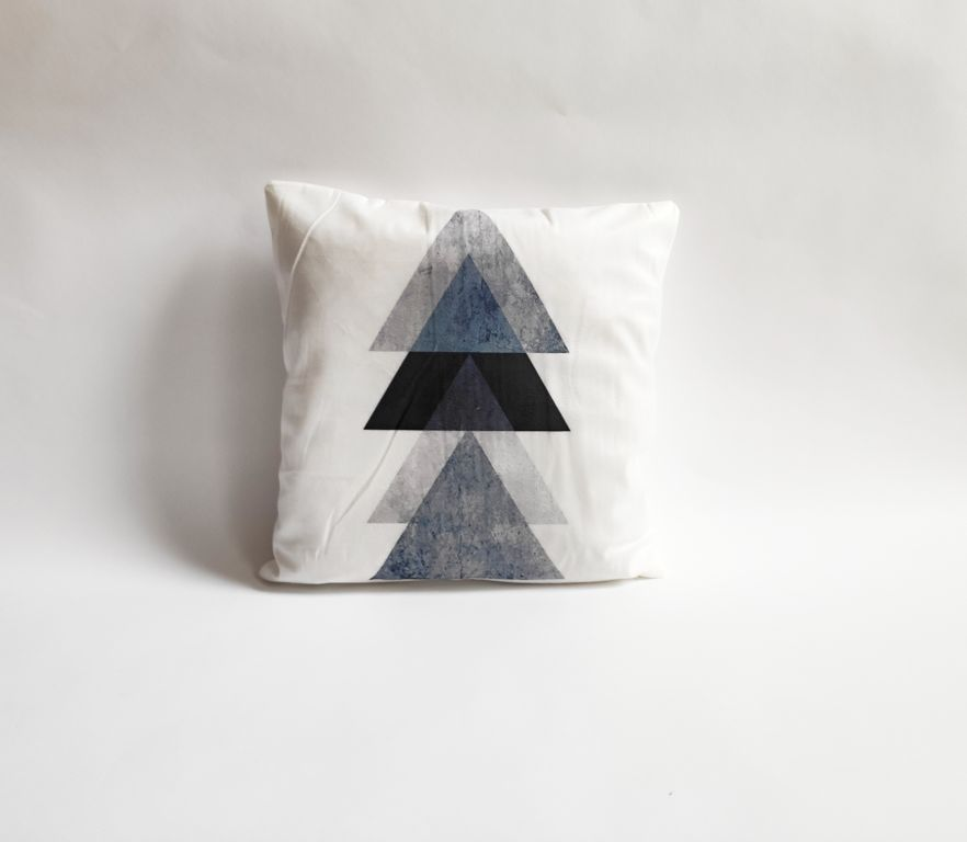 Povlak na polštář Black, 45 x 45 cm, trojúhelník