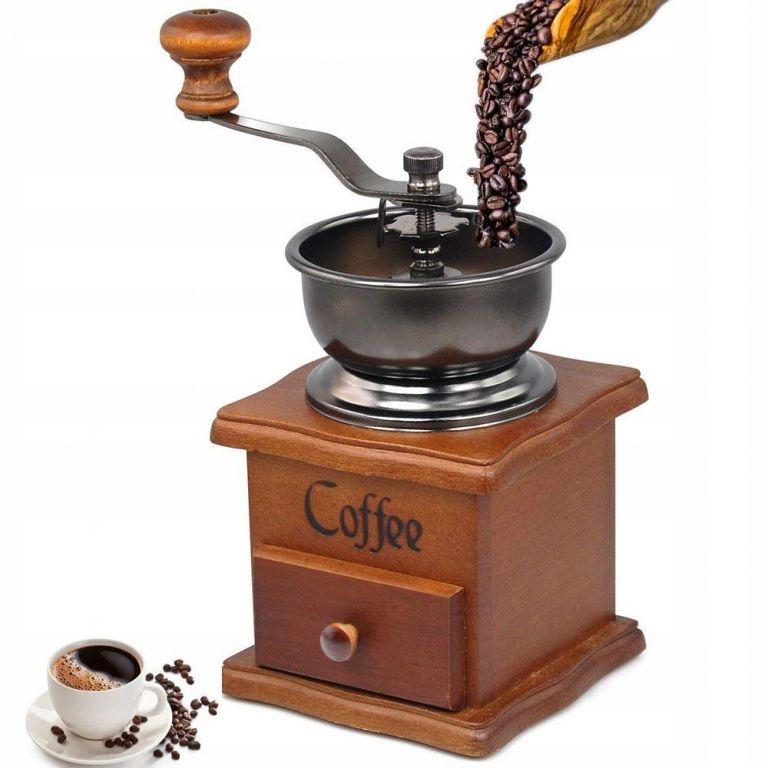 Dřevěný ruční mlýnek na kávu