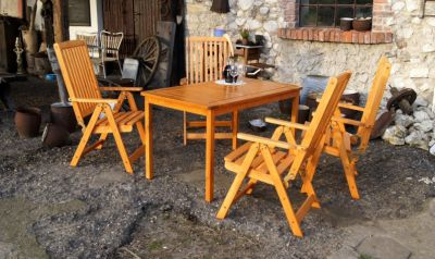 Tradgard HOLIDAY Zahradní stůl - lakovaný FSC