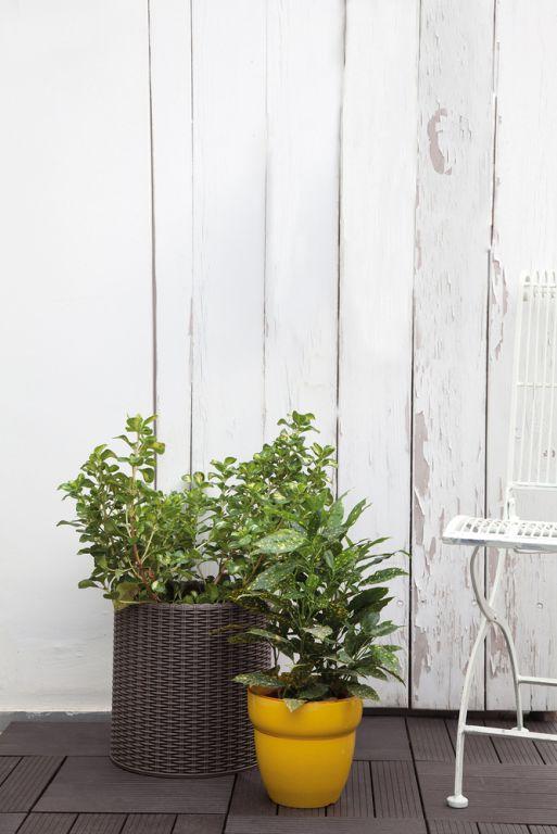 Květináč ratanového vzhledu plastový  - S - hnědý