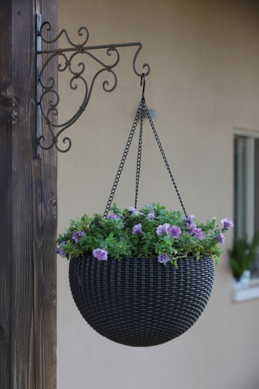 Zahradní květináč HANGING SPHERE - antracit